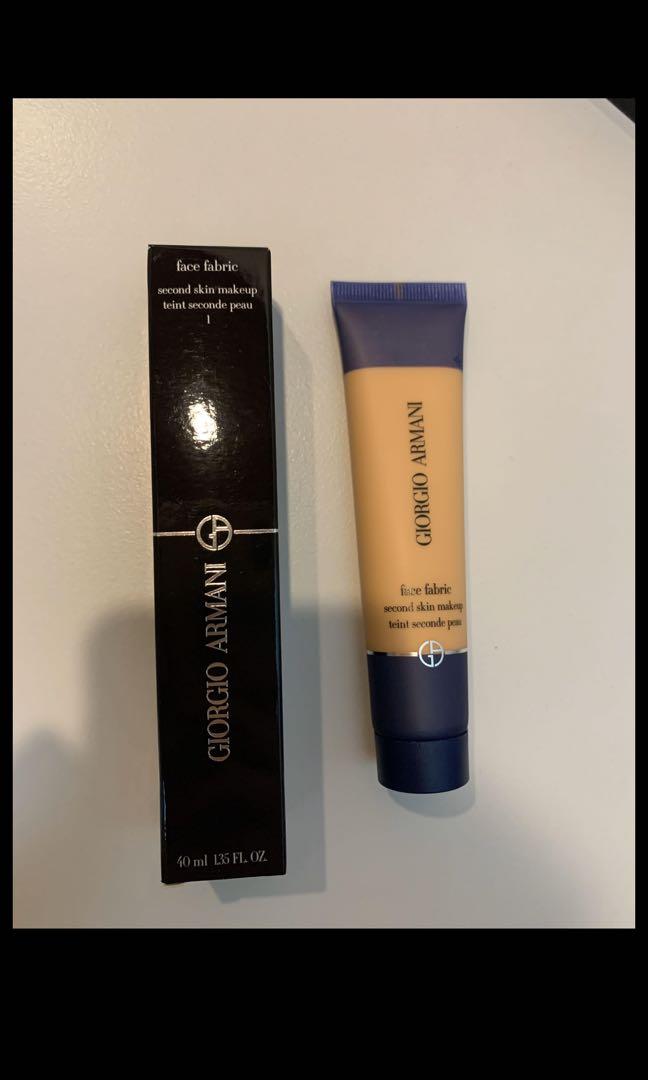 Giorgio Armani 粉底液 face fabric. 美容&化妝品. 化妝品 - Carousell