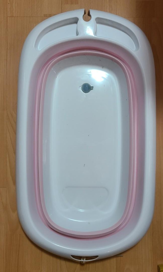 BB沖涼盤bath(可摺疊), 兒童&孕婦用品, 其他 - Carousell
