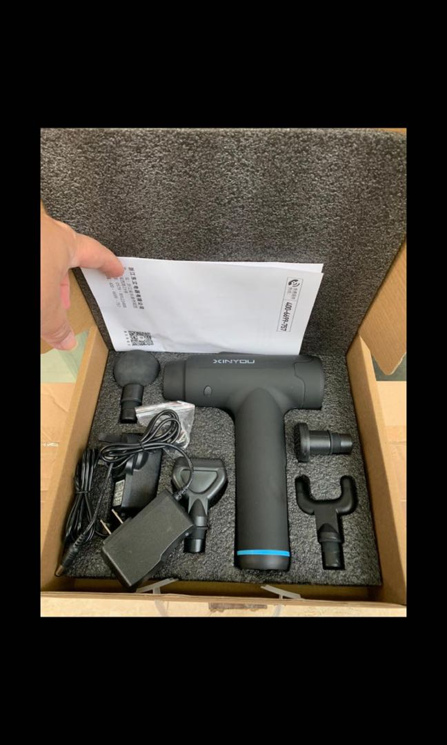 全新新款按摩槍,$200枝,香港三腳插頭,9800 轉,又靜又好力,可以充電,30個段速,4 個按摩球,4至6小時 ...