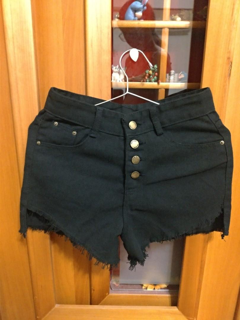 短褲, 她的時尚, 褲子在旋轉拍賣