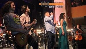 Rok simfonija i Dr Nele Karajlić u KCT (video)
