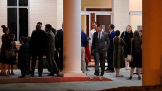 Louisiana Church Packed for Services Again Despite State's Stay-at-Home Order and Pastor's Arrest