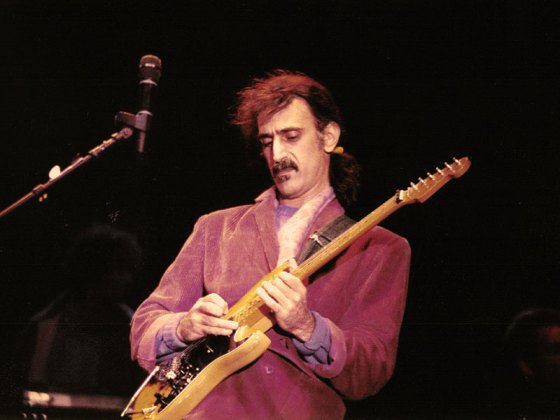 Neustadt-Kino ab 8. Dezember: Frank Zappa - Eat that Question
