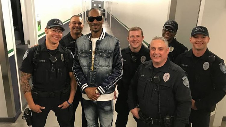 Snoop Dogg Strikes A Pose With Kent Police Officers
