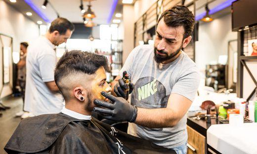 Arabische Barbershops Einmal Frisur mit Alles
