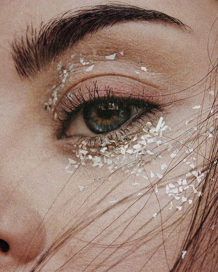 Құпияларды макияж