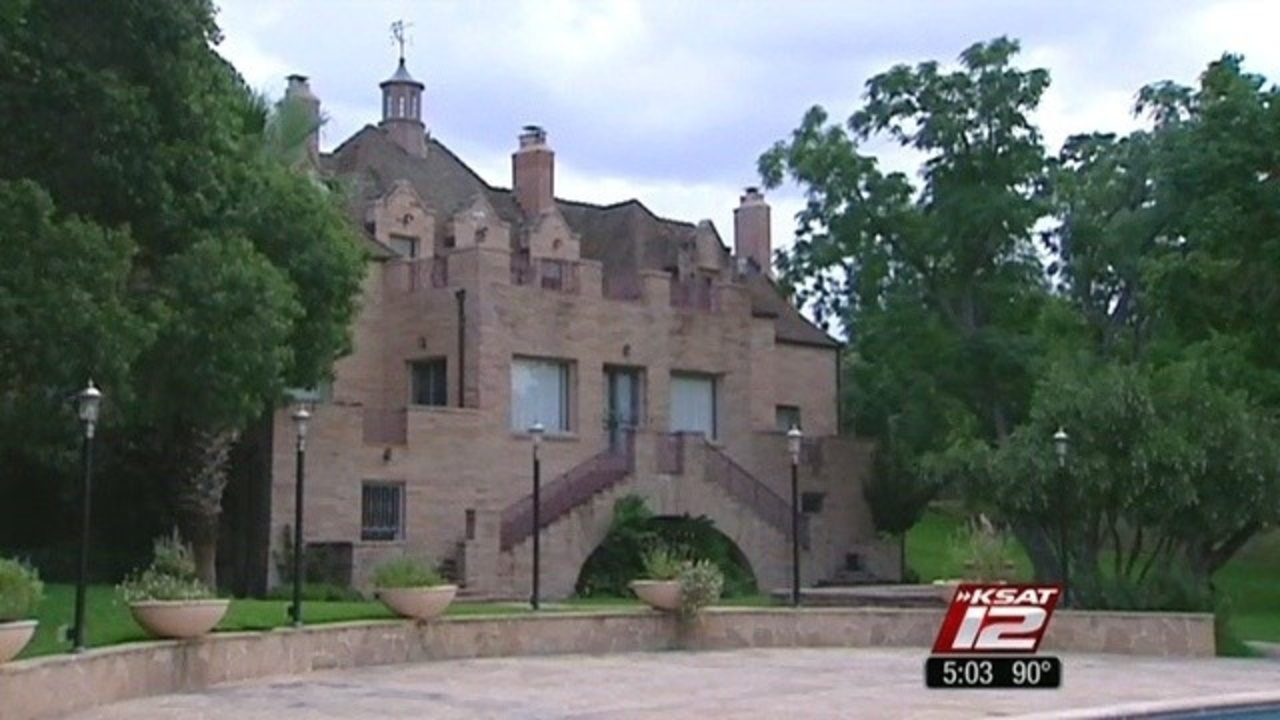 City To Buy Red Berry Mansion