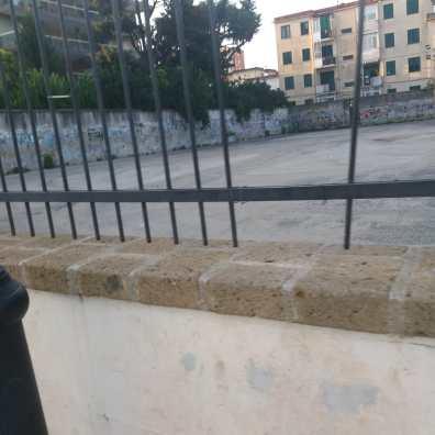 aversa cancellata parcheggio parco pozzi