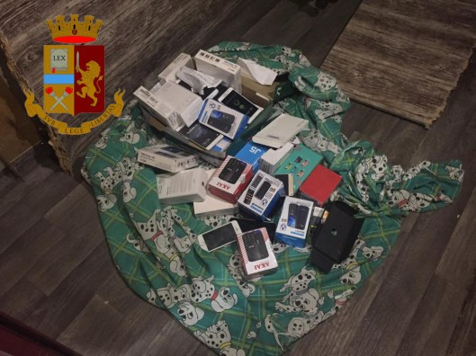 polizia ps 113 telefoni cellulari