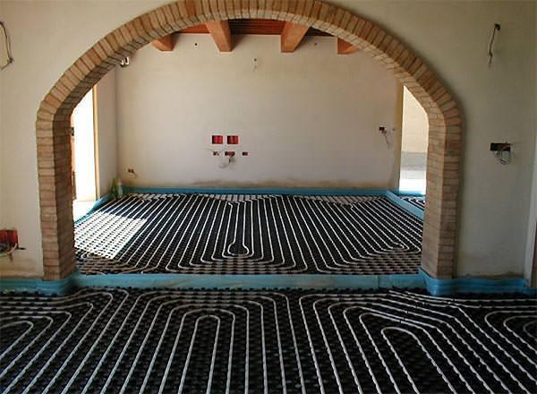Foto costruzione riscaldamento a pavimento