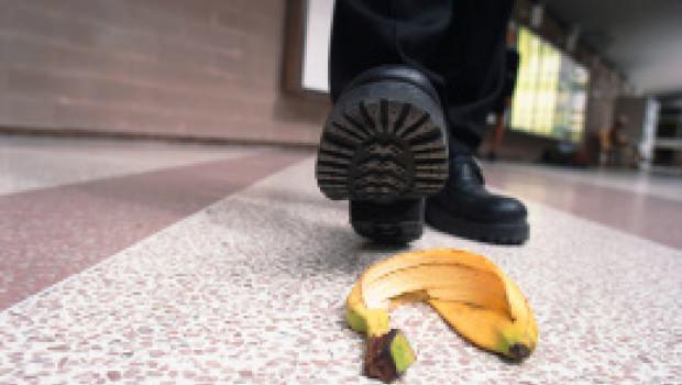 Scivoloni in condominio e risarcimento dei danni