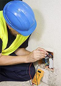 Lavori da fare in casa, ristrutturare l'impianto elettrico