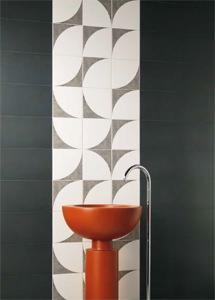 Rivestimenti geometrici per il bagno