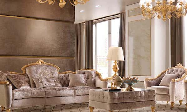 I velluti e gli intarsi dorati sono tipici dell'arredamento in stile barocco, a volte si sceglie di riservare solo alcuni angoli della casa a questa tipologia di arredo. Complementi Arredo Stile Barocco Moderno