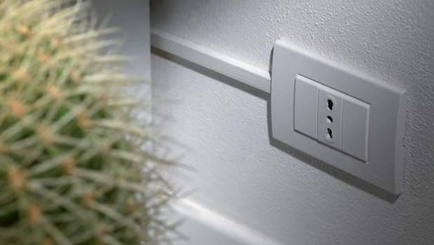 Spostare presa elettrica domestica