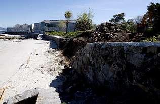 Zona Franca arregla el derrumbe del muro del yacimiento romano de Mourisca
