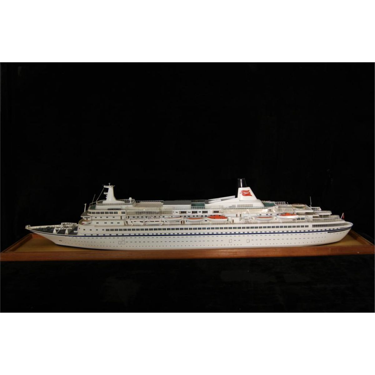 Cruise Ship Ocean Liner Model - In Case