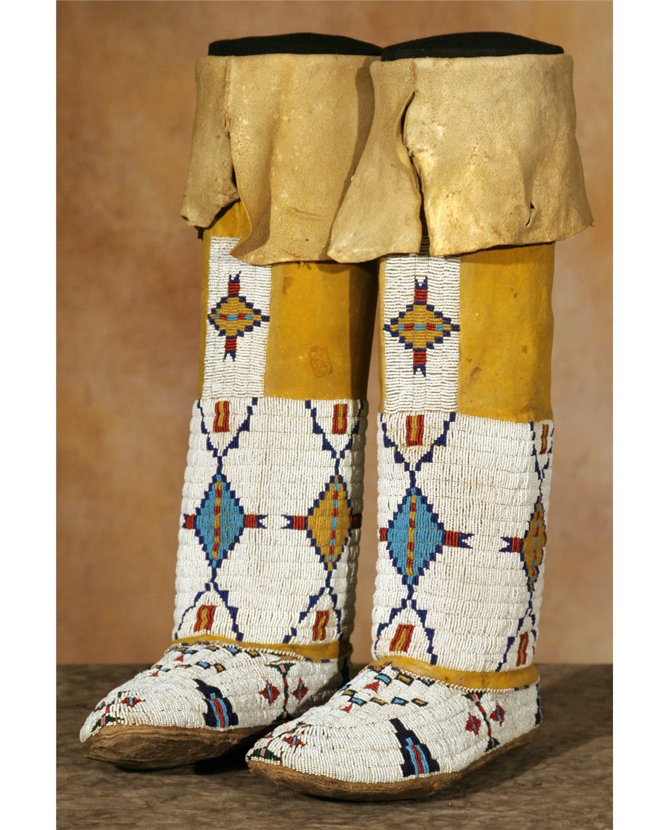 Cheyenne Girl' Beaded Moccasins And Leggings