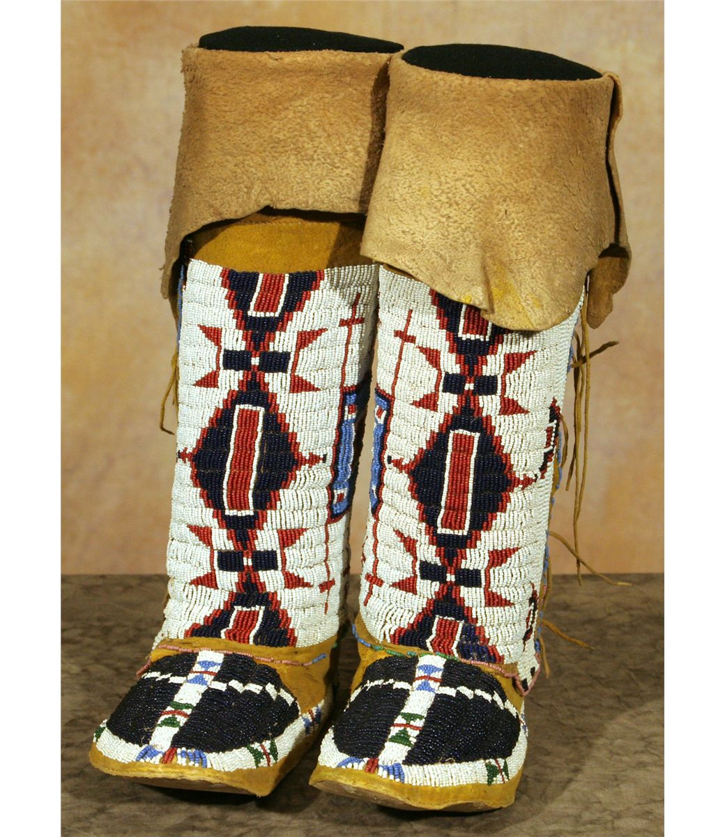 Sioux Woman' Beaded Moccasins And Leggings