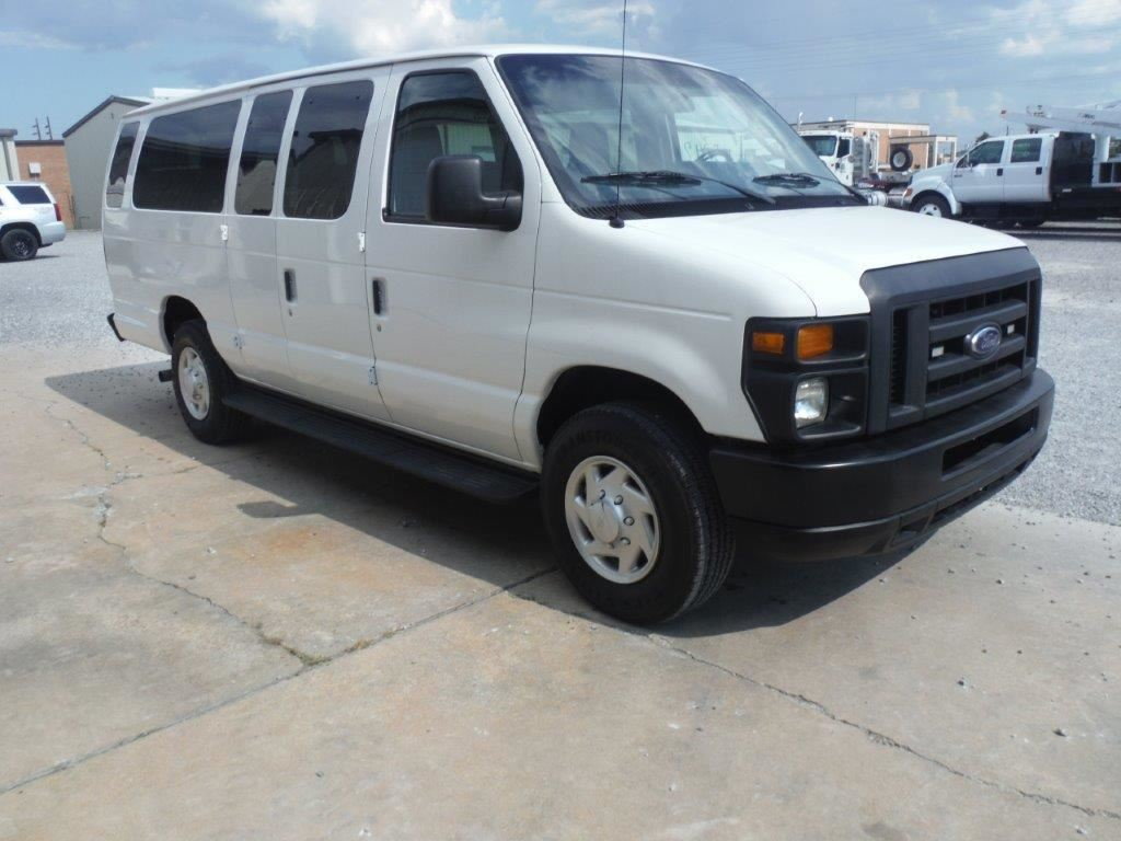 small resolution of  image 2 2013 ford e350 passenger van vin sn 1fbss3bl9ddb08535 v8 gas