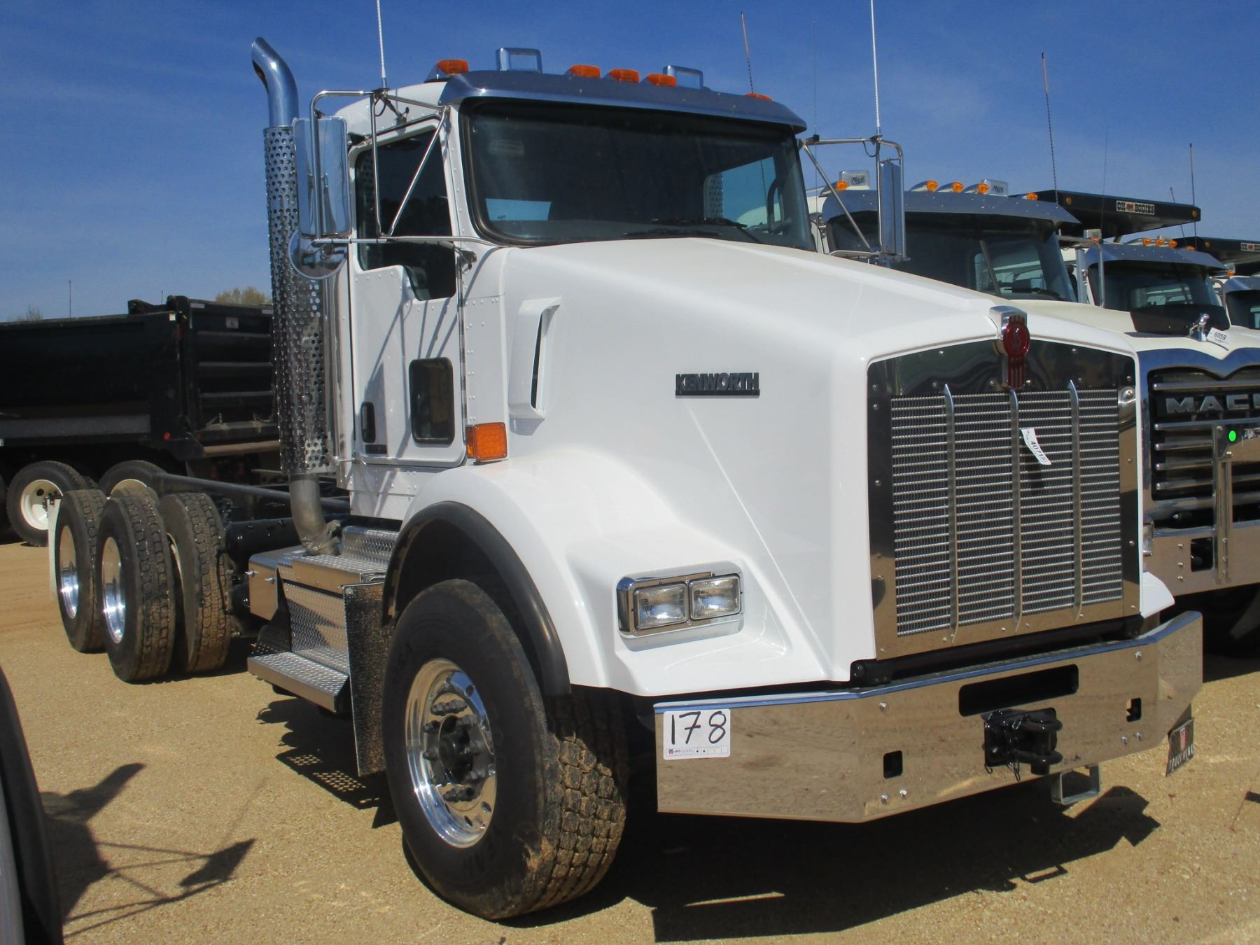 hight resolution of  image 2 2018 kenworth t800 cab chassis vin sn 1nkdl40x8jj205444