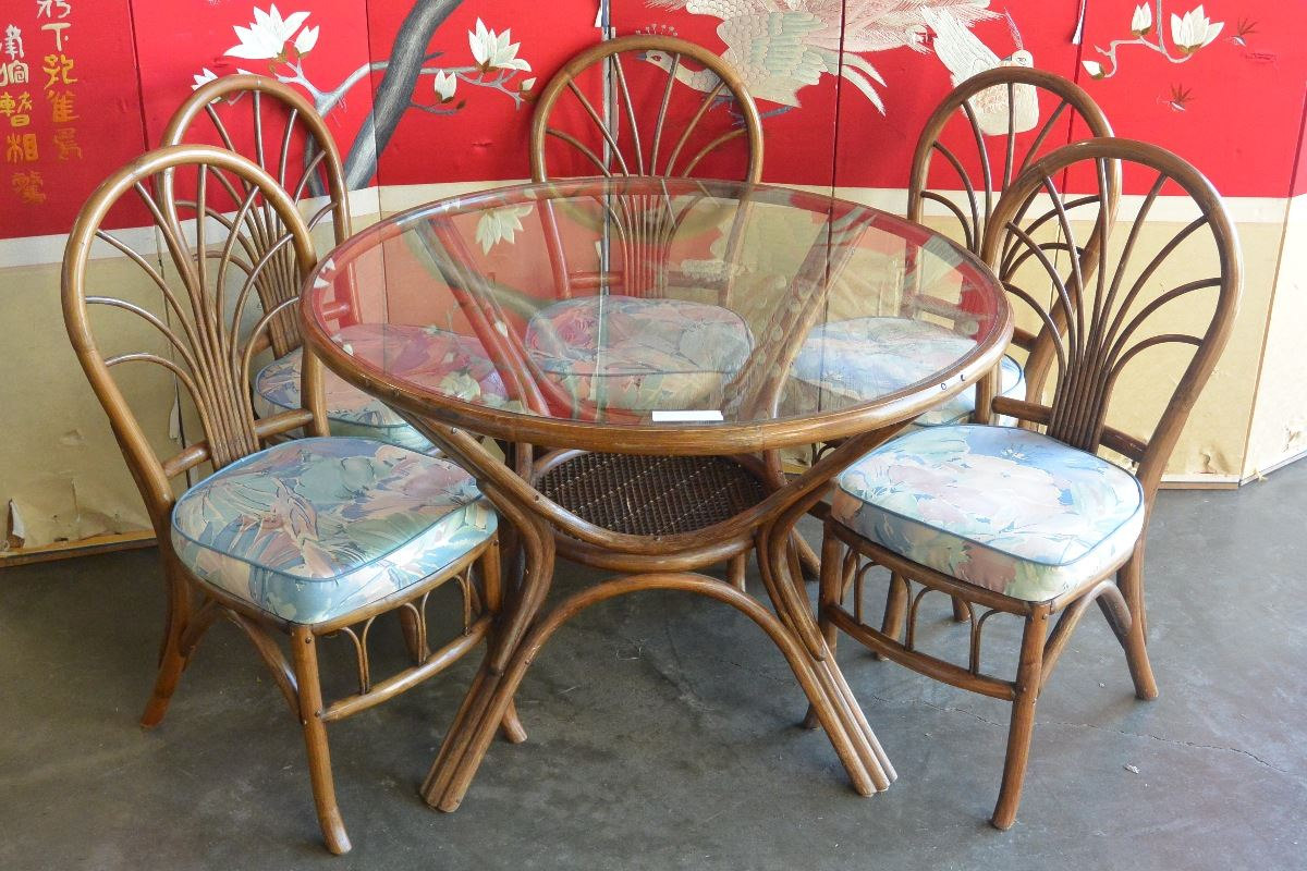 Five Chairs Rattan Patio Glasstop Patio Table And Five Chairs