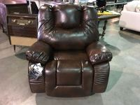 BROWN LEATHER LIVING ROOM RECLINER