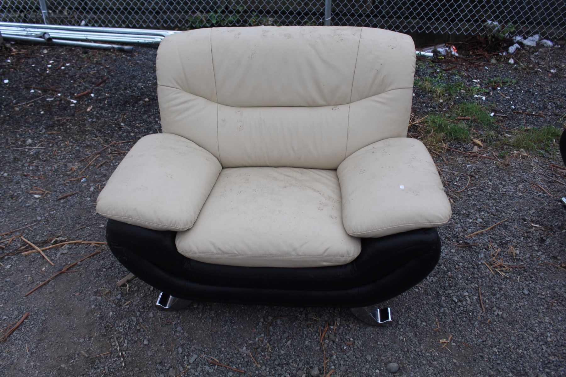 2 seater love chair clear chiavari chairs seat and able auctions