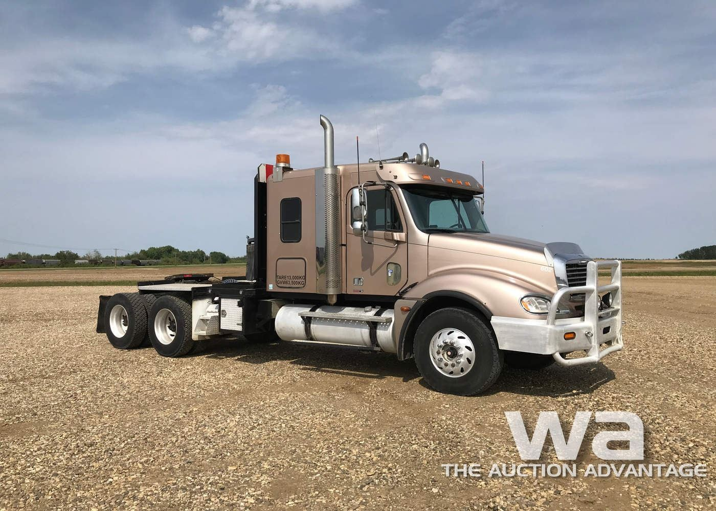 medium resolution of  image 2 2005 freightliner columbia t a winch truck