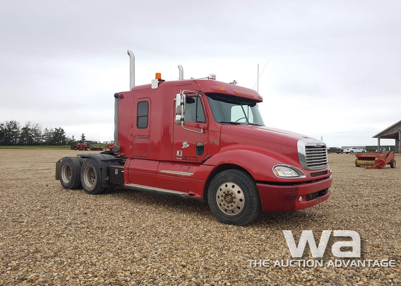 hight resolution of  image 2 2005 freightliner columbia t a highway tractor