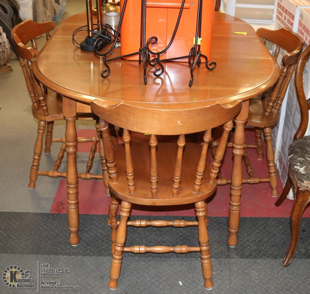 maple kitchen table facets with 2 leafs and 4 chairs