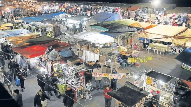 Por semana 600 neuquinos viajan a comprar a La Salada