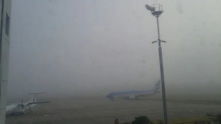 Por la niebla en Neuquén hay vuelos cancelados