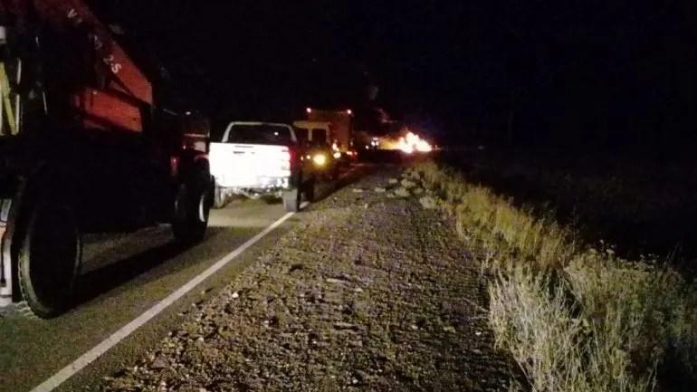 Tres personas murieron calcinadas en un choque frontal entre una camioneta y un camión
