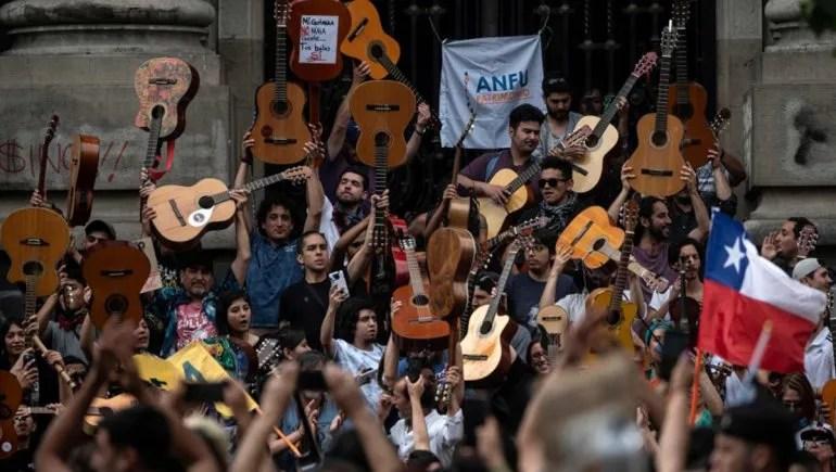 MÚSICOS EN PROTESTA EN CHILE