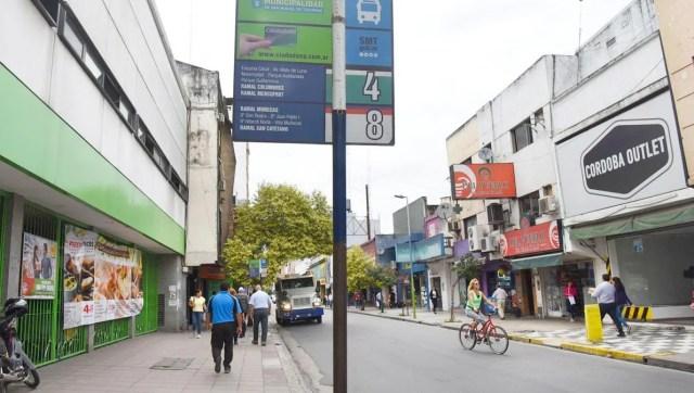 Continúa el paro de colectivos en Tucumán.