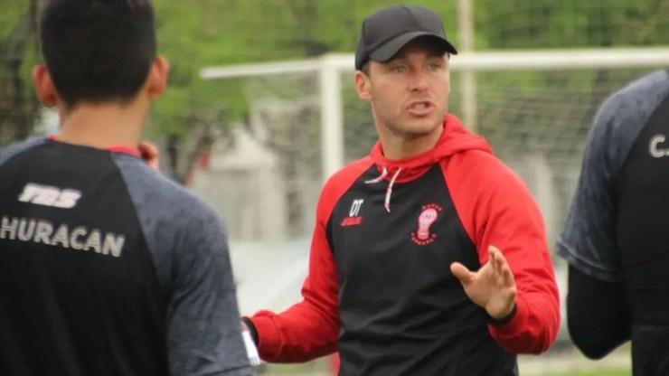 Israel Damonte se juega el puesto ante Atlético.