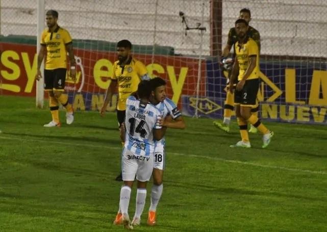 Atlético Tucumán contra todos los pronósticos ante River.