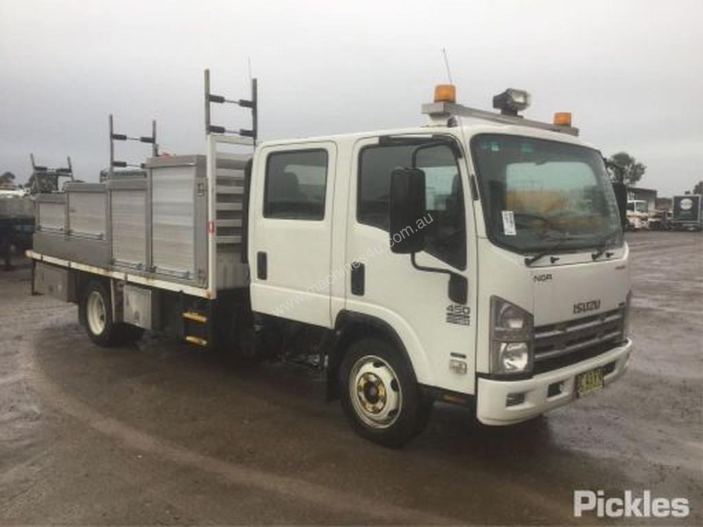 hight resolution of used isuzu rigid trucks for sale 2009 isuzu nqr450