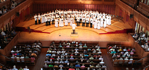 [Tanglewood Festival Chorus at Tanglewood (Photo by Hilary Scott)]