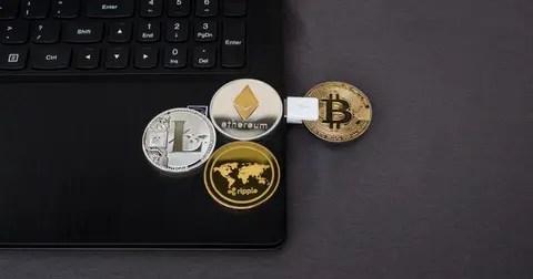 busines crypto laptop