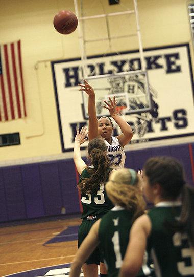 Callie Cavanaugh Scores 31 No 3 Holyoke Girls Basketball