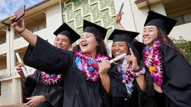 UH graduates