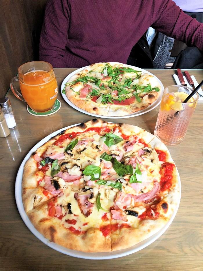 pizza på Restaurant U Kříže