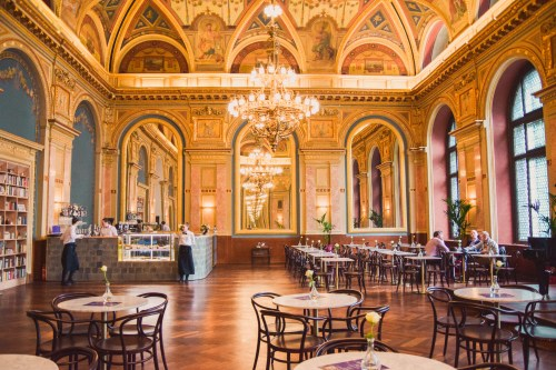 cafe parisi i lotz hall
