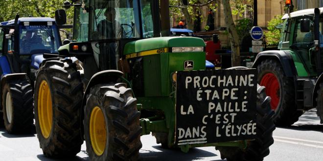 """Résultat de recherche d'images pour """"paysans qui se suicident"""""""