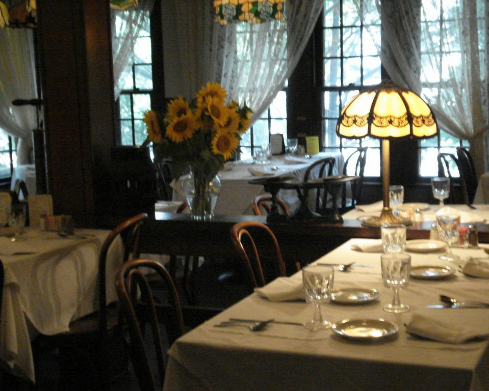 Ninos Restaurant Mount Pleasant PA 15666 724 547 2900