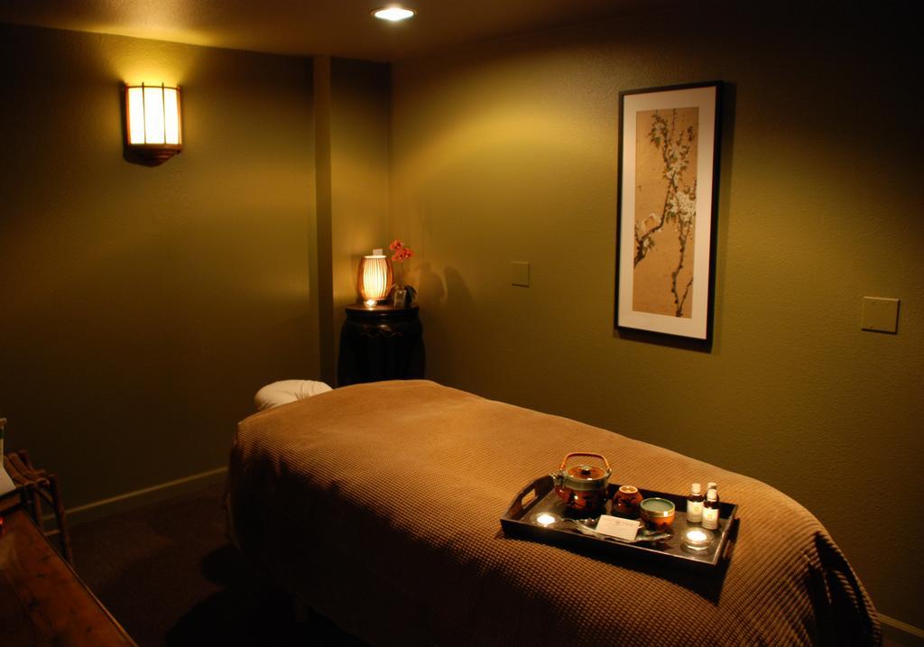 Spa  Massage Room Ideas on Pinterest  Massage Room Cork