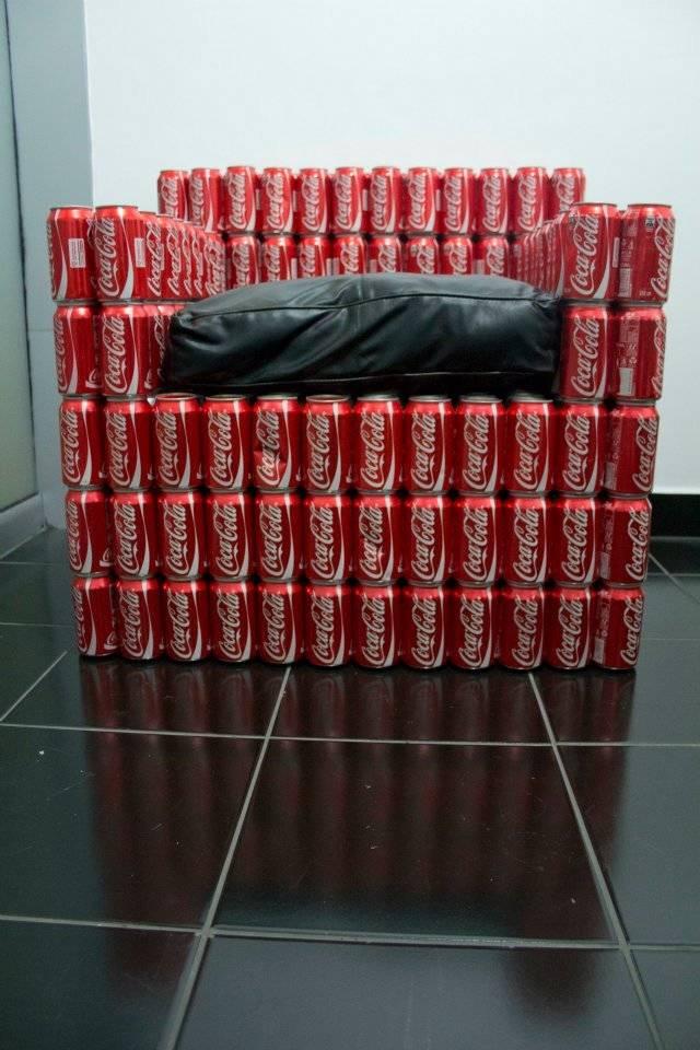 Sillones hechos con latas de bebidas  VeoVerde  Nueva Mujer