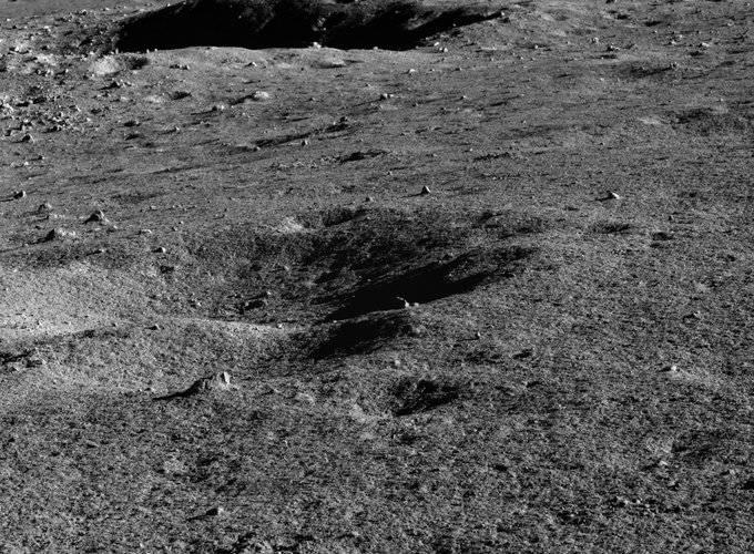 Luna: rover Chino investiga el lado oscuro del satélite y realiza sorprendente descubrimiento
